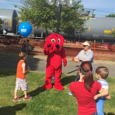 Clifford the Big Red Dog at Toad Suck Daze - Conway, Arkansas